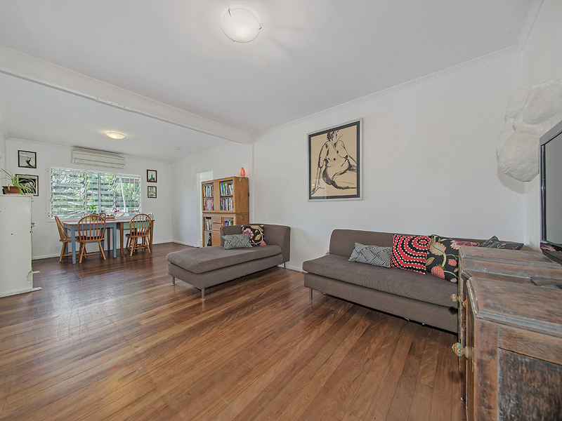 301 Preston Road, Wynnum West, Qld 4178