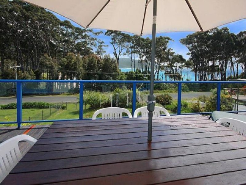8 Depot Beach Road, Depot Beach, NSW 2536