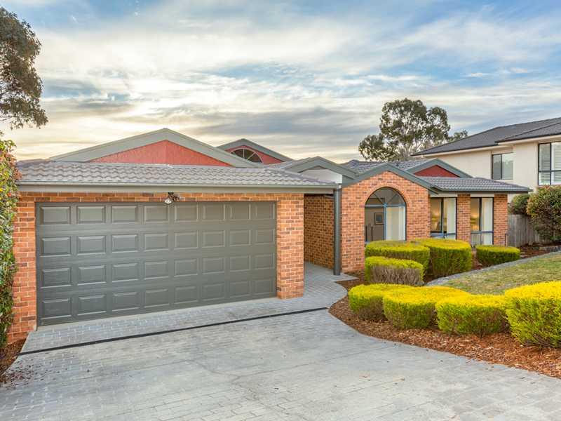 10 Dennis Place, Jerrabomberra, NSW 2619
