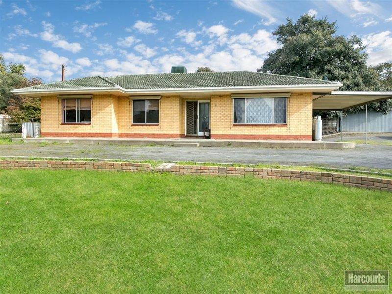 17 Adelaide Road, Greenock, SA 5360