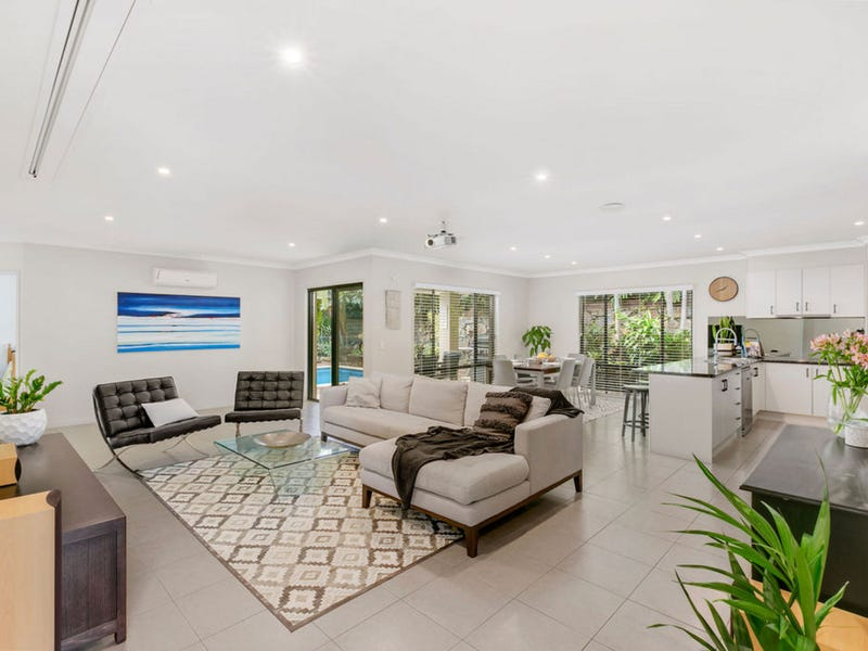 27 Sangster Crescent, Pacific Pines, Qld 4211