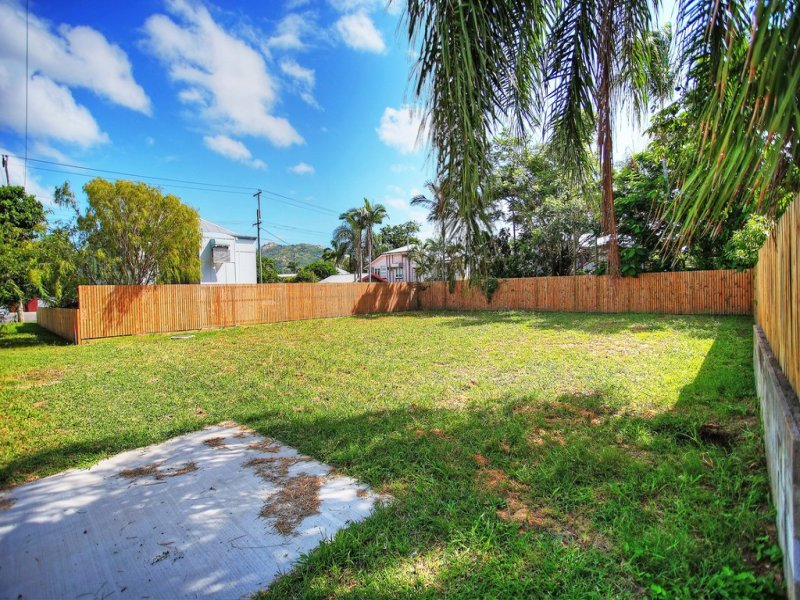 67 Ahearne Street, Hermit Park, Qld 4812