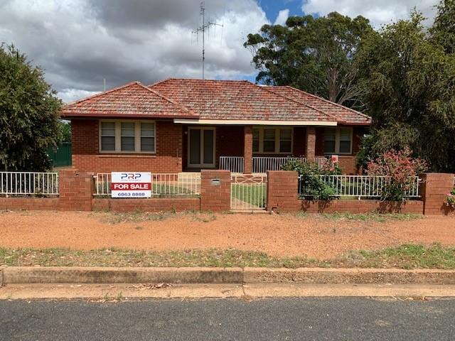 56 Derribong Street, Peak Hill, NSW 2869