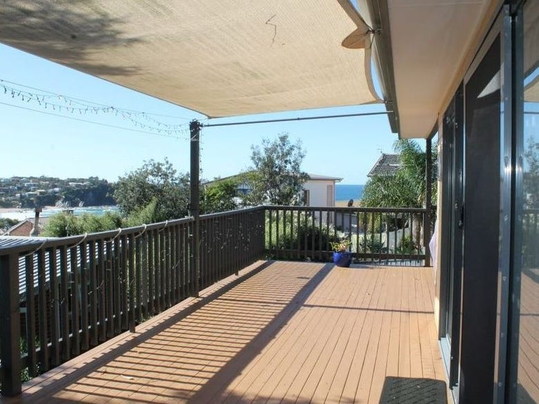 18 Waroo Crescent, Malua Bay, NSW 2536