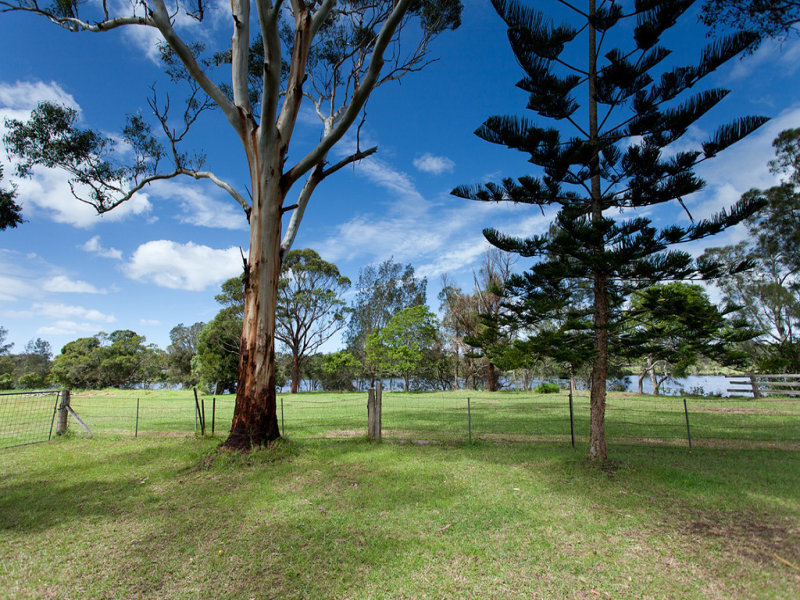319 Manning Point Road, Oxley Island, NSW 2430