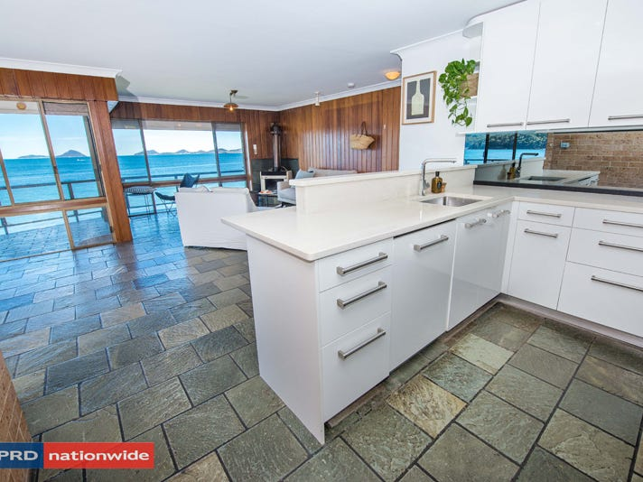 1/14 Mitchell Street, Soldiers Point, NSW 2317