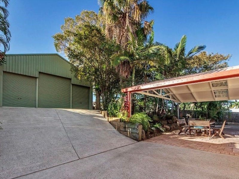 4 Bushtree Court, Burleigh Waters, Qld 4220