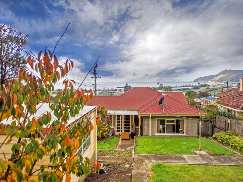 28 Cunningham Street, South Burnie, Tas 7320