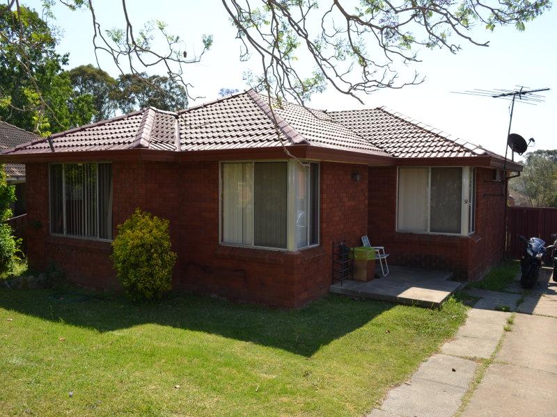 9 Tallawarra Road, Leumeah, NSW 2560