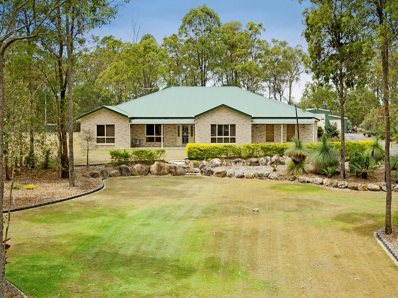 27 Woodend Court, Park Ridge, Qld 4125