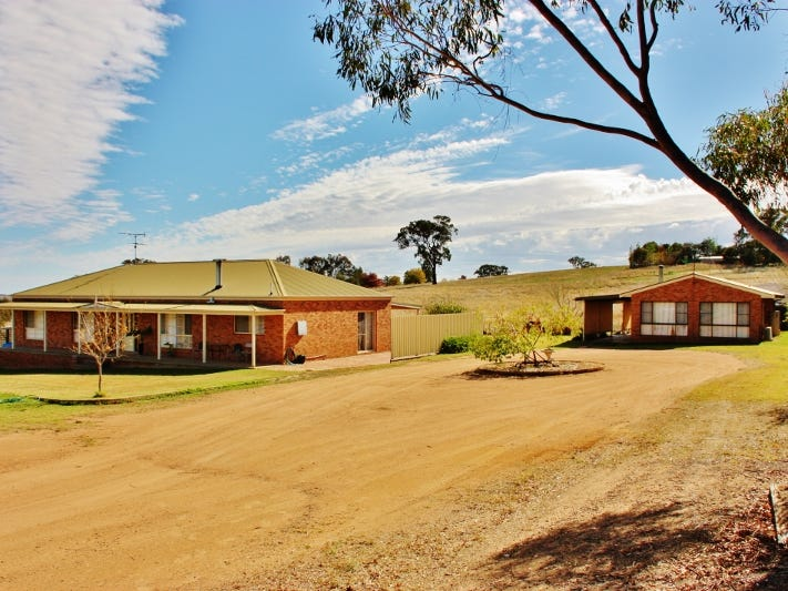 80 Normans Road, Young, NSW 2594