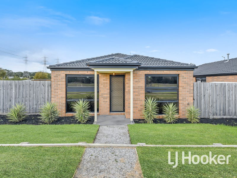 1/142 Toomuc Valley Road, Pakenham, Vic 3810