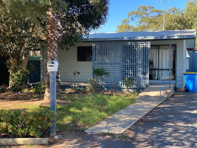 6 Close Street, Finley, NSW 2713