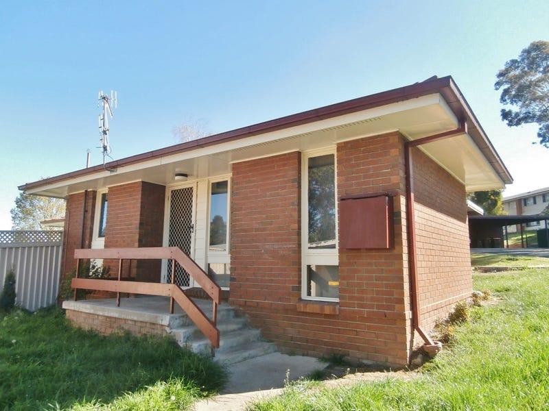 18 Ennis Way, Mitchell, NSW 2795