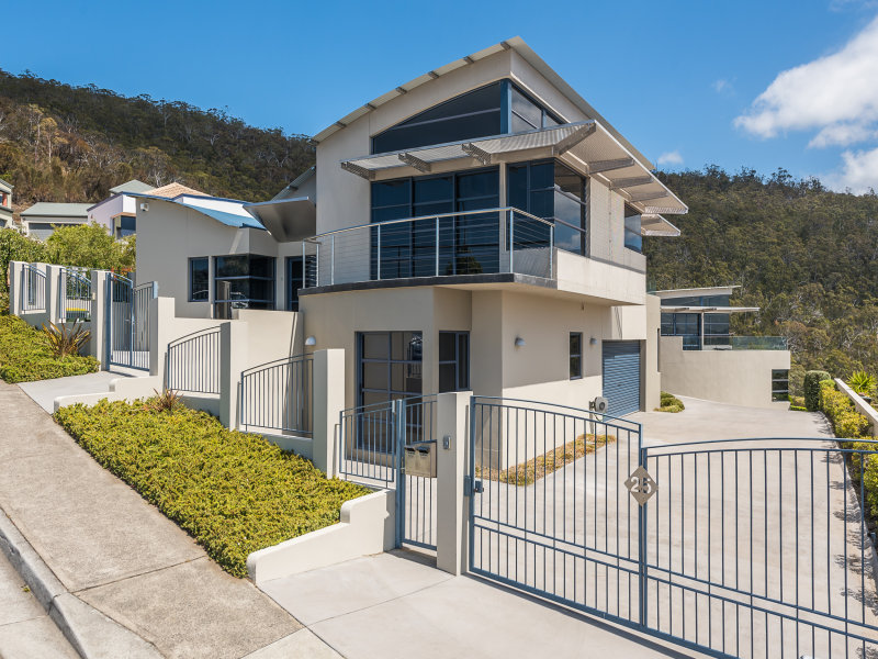 1/25 Marlborough St, Sandy Bay, Tas 7005