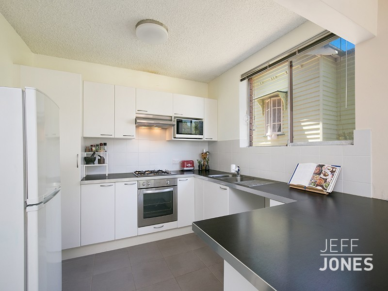 2/36 Galway Street, Greenslopes, Qld 4120