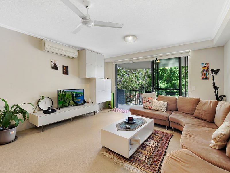 2/154 Musgrave Ave, Southport, Qld 4215