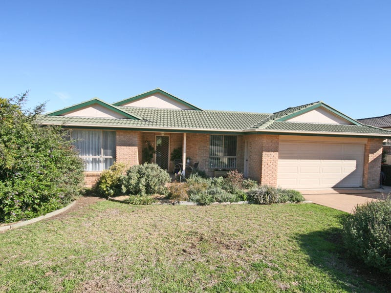 12 Woodside Road, East Tamworth, NSW 2340
