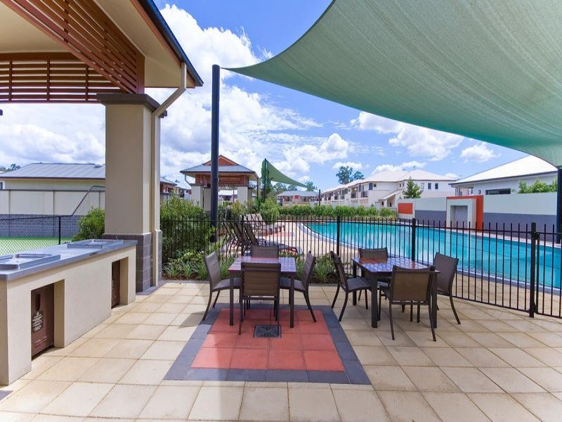 21 Greenway Circuit, Mount Ommaney, Qld 4074