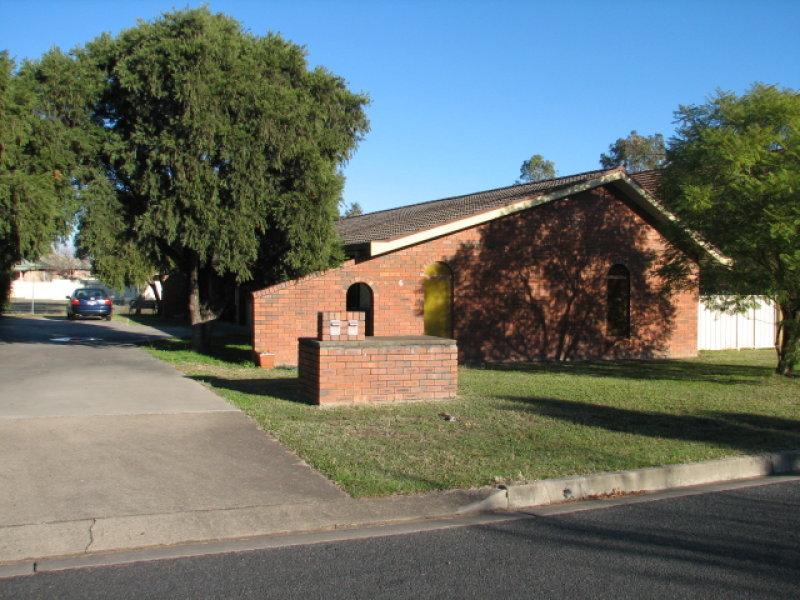 6 Illoura Street, Hillvue, NSW 2340