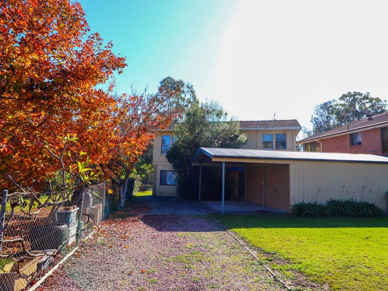 24 Ginganup, Summerland Point, NSW 2259