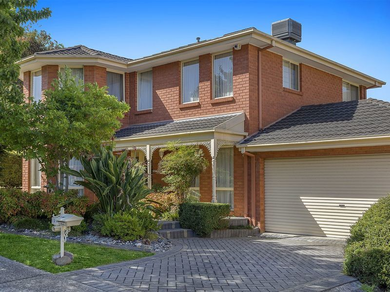 25 Tulloch Grove Glen Waverley Vic 3150 Property Details