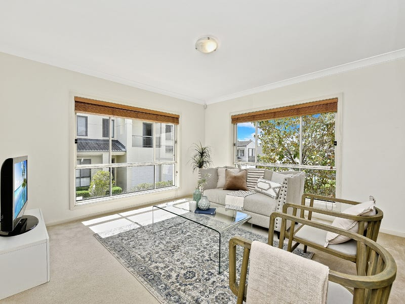 11 Eighth Avenue, Carlingford