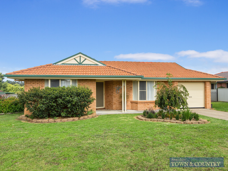 27 Eleanor Close, Armidale, NSW 2350