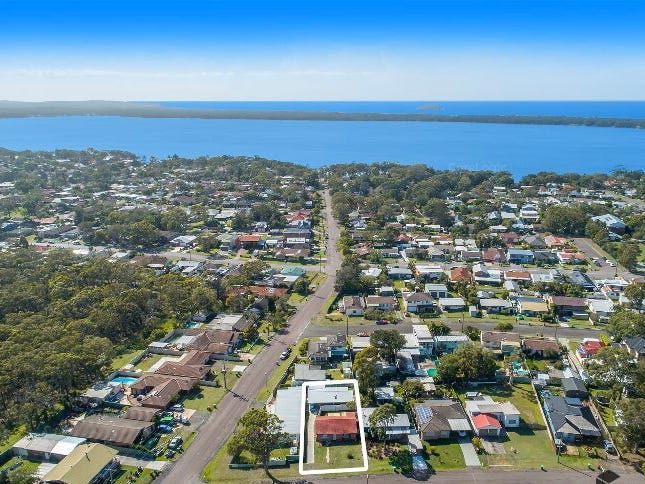 105a/105b Laelana Avenue, Halekulani, NSW 2262