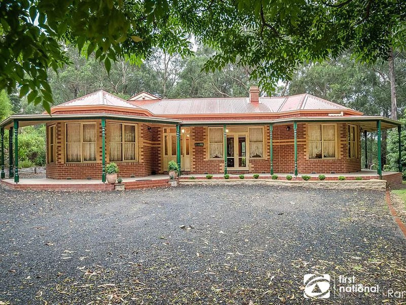 8 Nation Road, Selby, Vic 3159