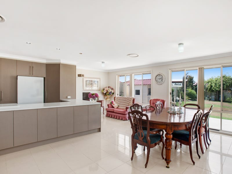 56 Pyalla Avenue, Aberglasslyn, NSW 2320