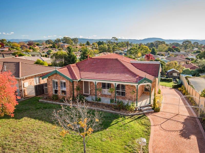 12 Wangara Crescent, Queanbeyan West, NSW 2620