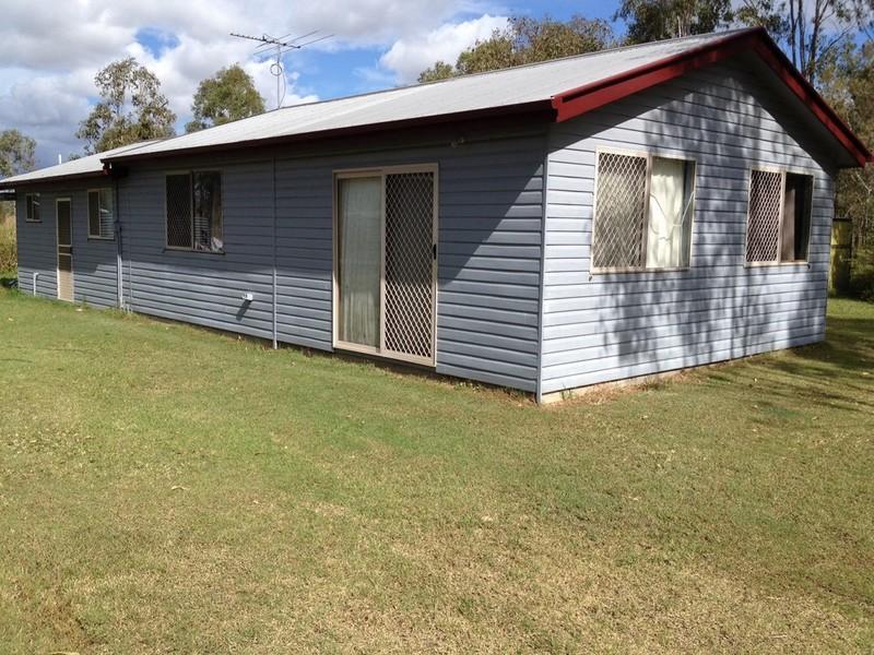 6 Topaz Crescent, Lockyer Waters, Qld 4311