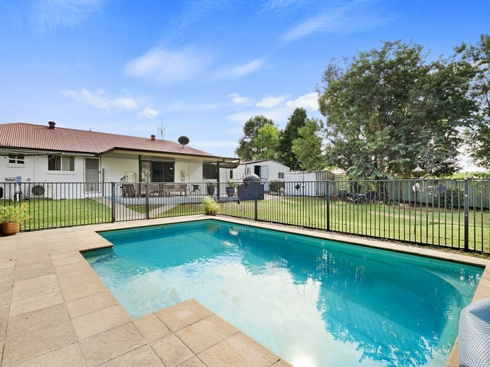 42 Parkview Road, Glass House Mountains, Qld 4518