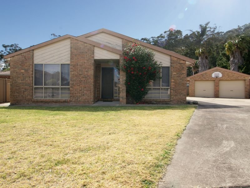 6 Eugenia Place, Maloneys Beach, NSW 2536