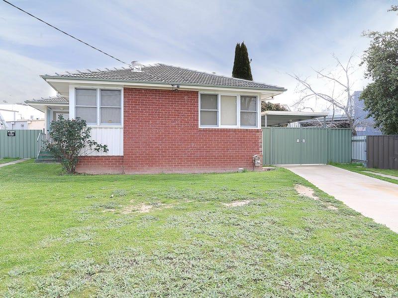 5 Immarna Street, Kooringal, NSW 2650