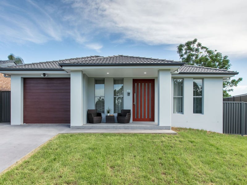 1 Blenheim Place, St Clair, NSW 2759