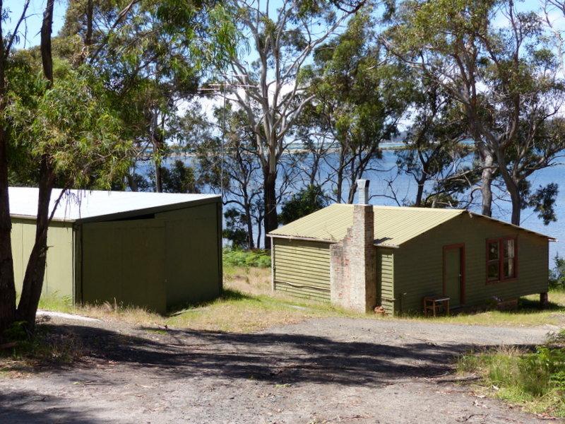 335 Bay Road, Boomer Bay, Tas 7177