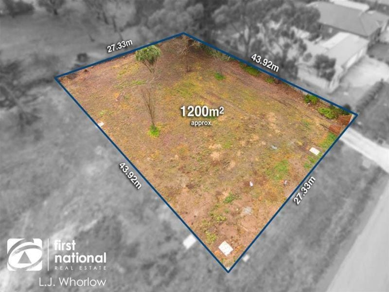 28 Reynolds Grove, Romsey, Vic 3434