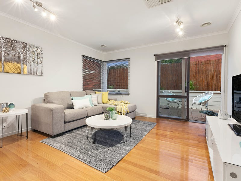 2/24 Rattray Road, Montmorency, Vic 3094