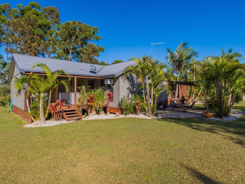 112 Emu Drive, Woombah, NSW 2469