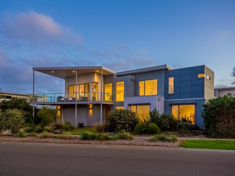 2 WATERFORD DRIVE, Cowes, Vic 3922