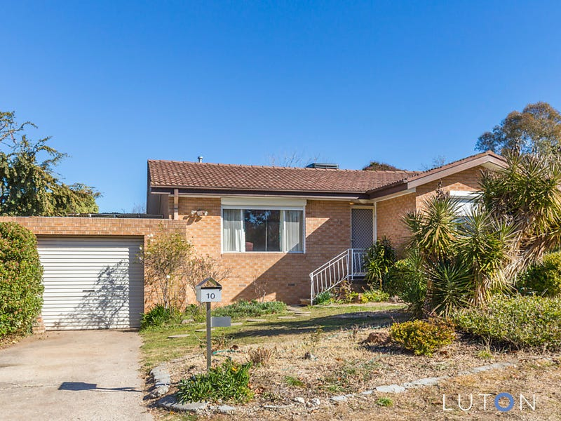 10 McCarthy Place, Charnwood, ACT 2615