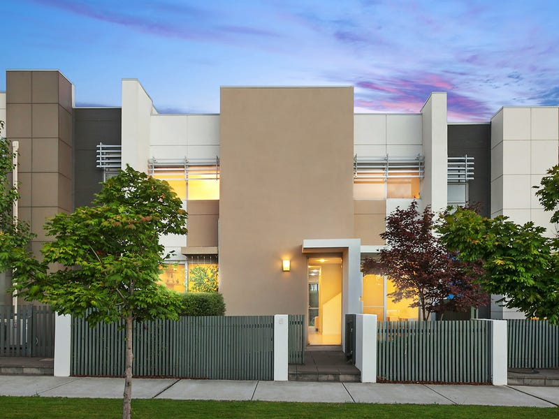 8 Chance Street, Crace, ACT 2911