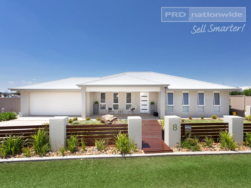 8 Preston Crescent, Lloyd, NSW 2650