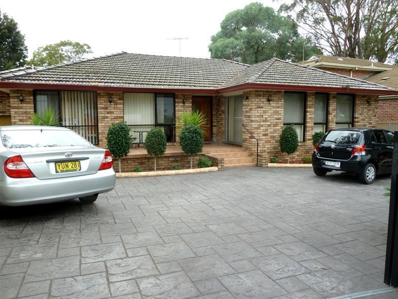45 Surrey Avenue, Georges Hall, NSW 2198