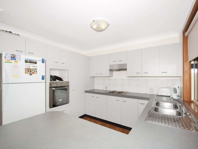 2/7 Alecia Close, Green Point, NSW 2251