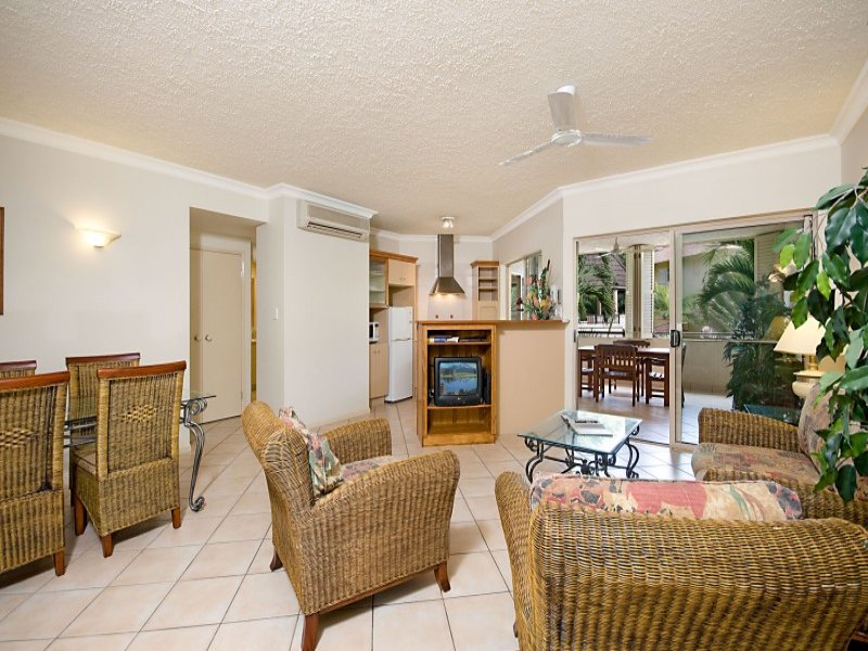 803/2 Greenslopes Street, Cairns North, Qld 4870