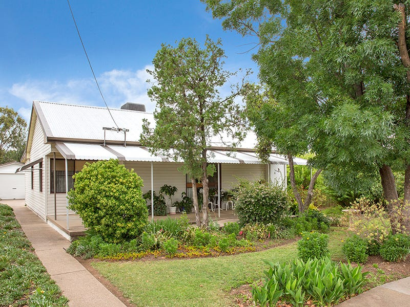 6 Robert Street, Tamworth, NSW 2340