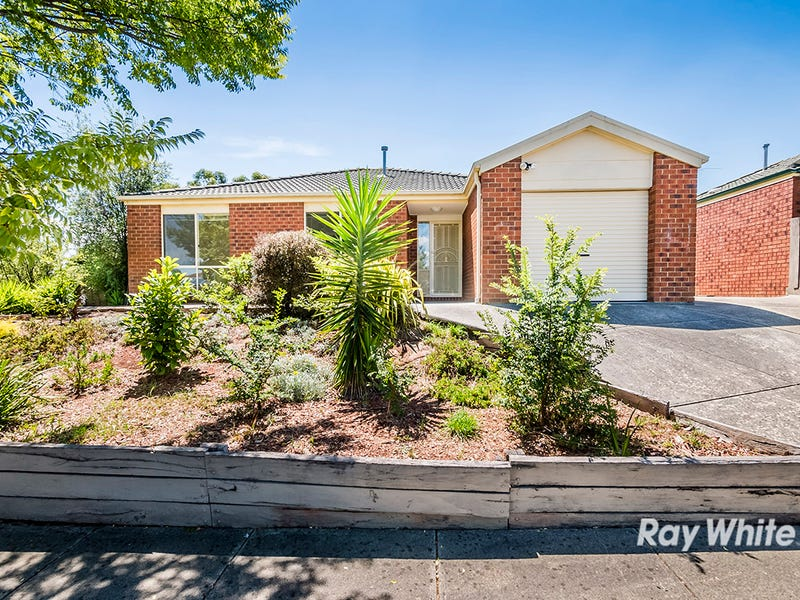 31 Bates Street, Cranbourne West, Vic 3977